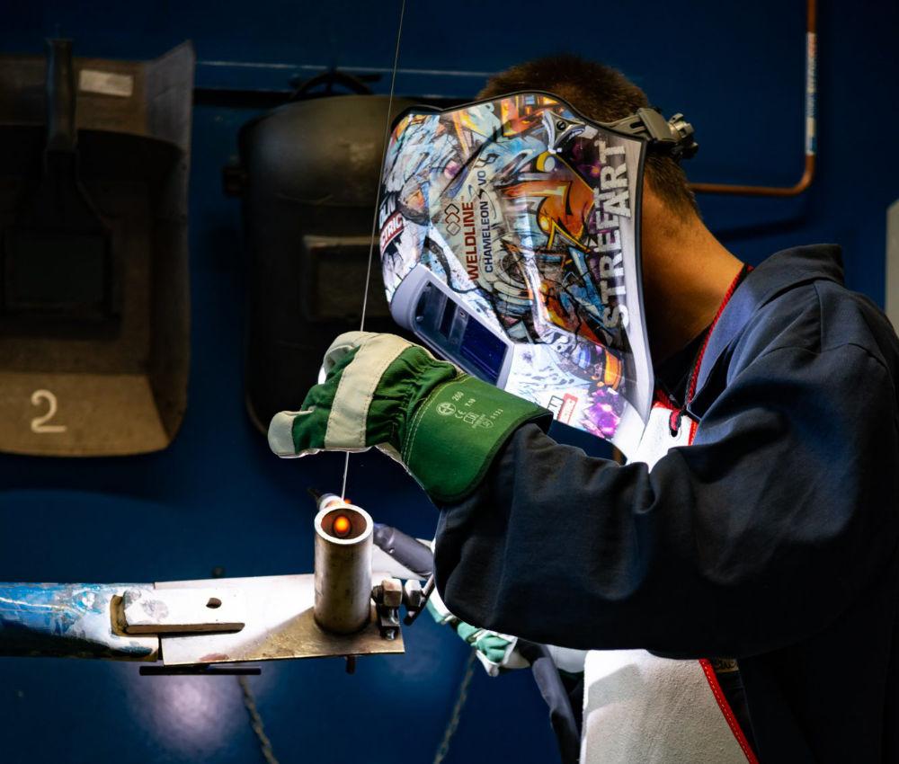 formazione saldatura, metalli e gas tecnici